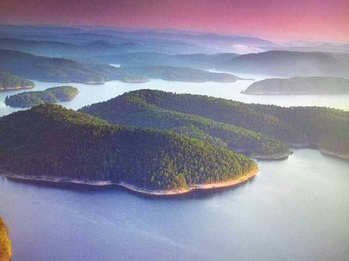Aerial view of Beavers Bend area.